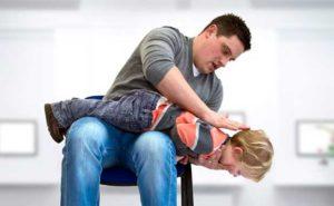 ребенок-задыхается-асфикция